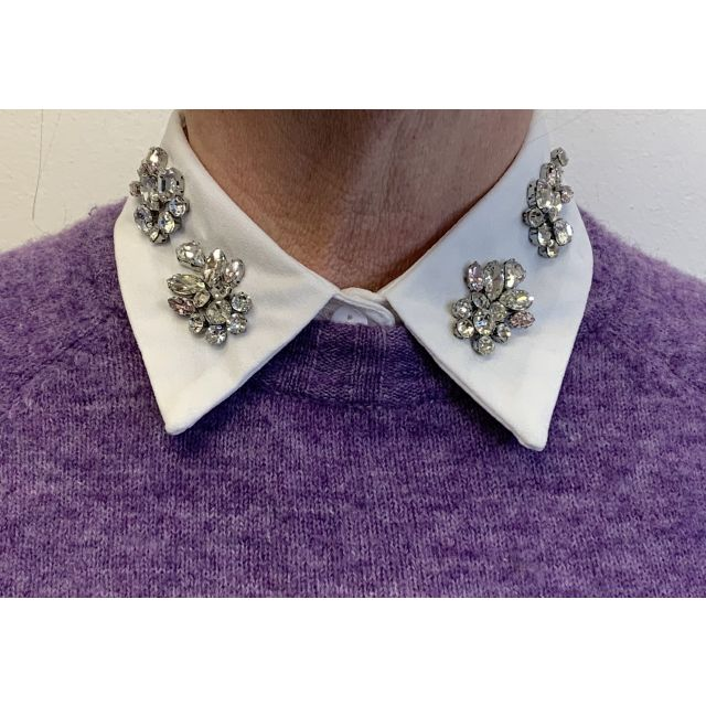 Collar white stone 5